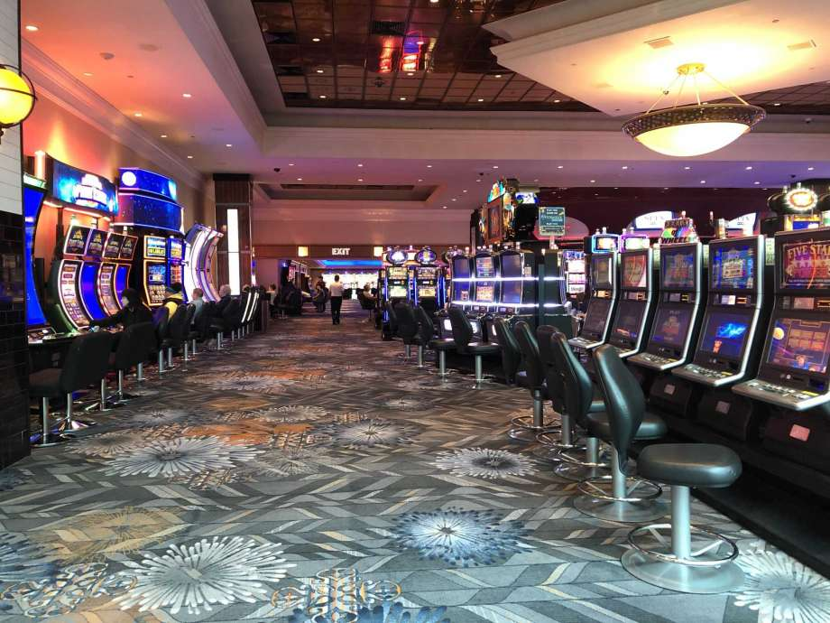 There's A Right Way To Talk About Online Casino